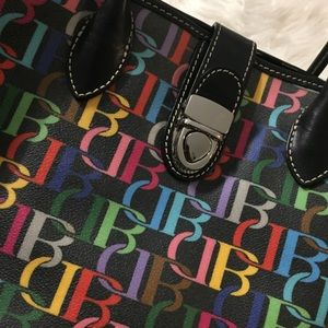 Dooney & Bourke Bags - NWOT Dooney & Bourke Black Leather Signature Tote